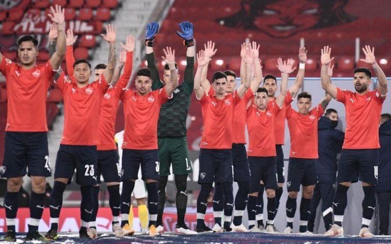 Independiente sigue mirando desde arriba