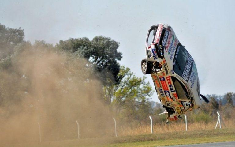 Los Fernandez aceleran en el Cabalén con tremendo accidente de Ciaurro