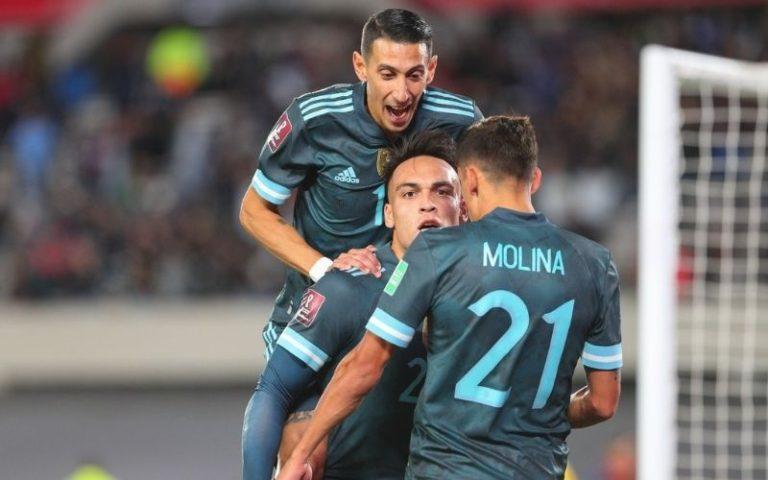 Argentina venció a Perú y quedó a un paso de Qatar 2022